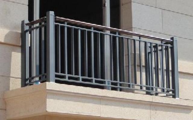 陽台護欄安裝技巧及安裝注意事項